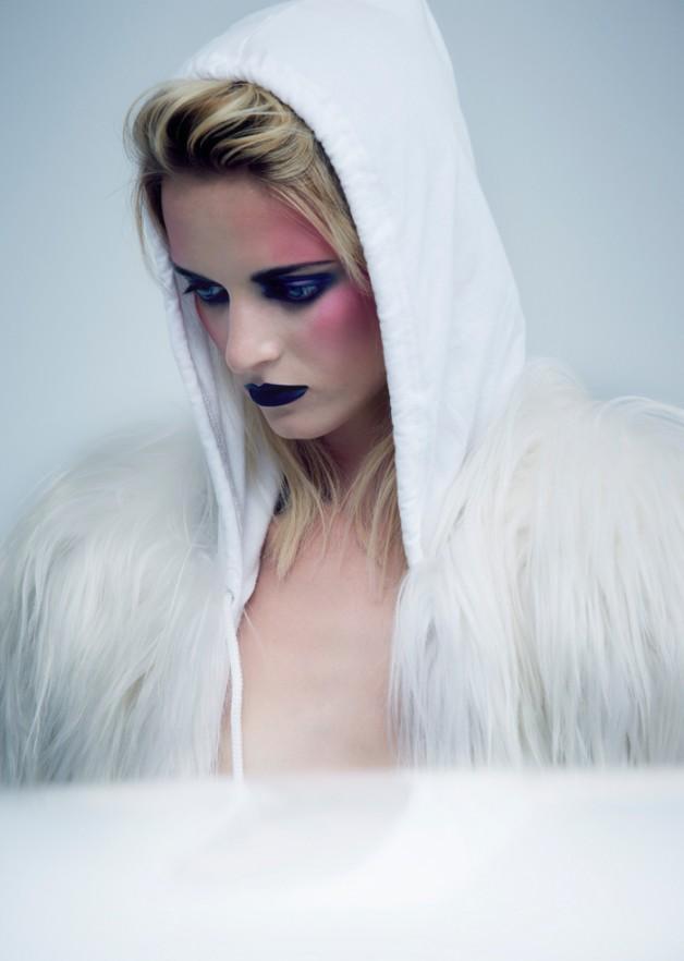 DariaStrokousin'Bleached'byHughLippeforFatMagazine