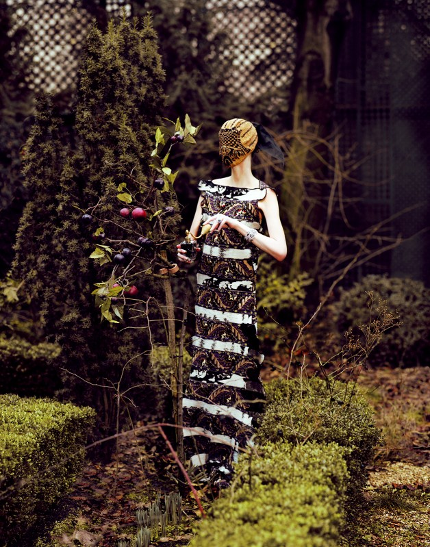Zuzanna Bijoch by Jeff Bark (Haute Couture - Vogue Ukraine April 2013) 6