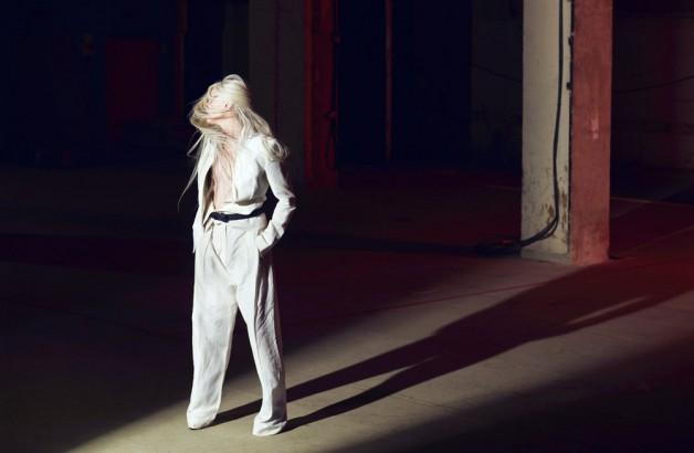 Kristen-McMenamy-norbert-schoerner-10-magazine-517009