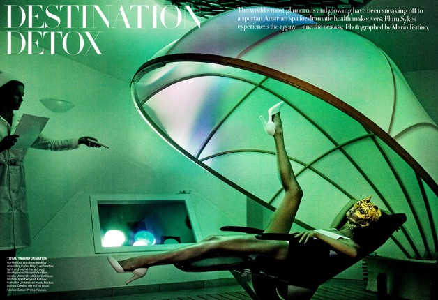 karlie-kloss-by-mario-testino-for-vogue-us-july-2013-1