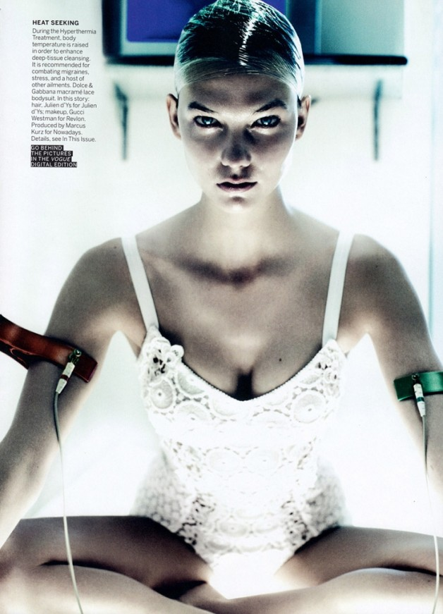 karlie-kloss-by-mario-testino-for-vogue-us-july-2013-8