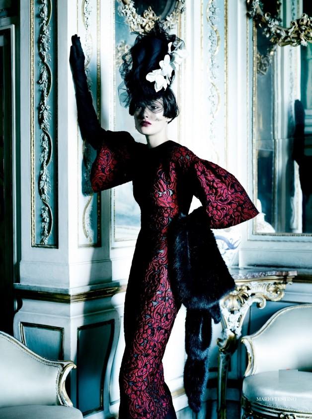 Catherine McNeil 'Prima Donna' by Mario Testino Vogue UK 13