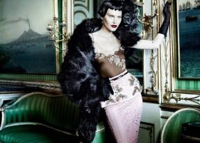 Catherine McNeil 'Prima Donna' by Mario Testino Vogue UK 5