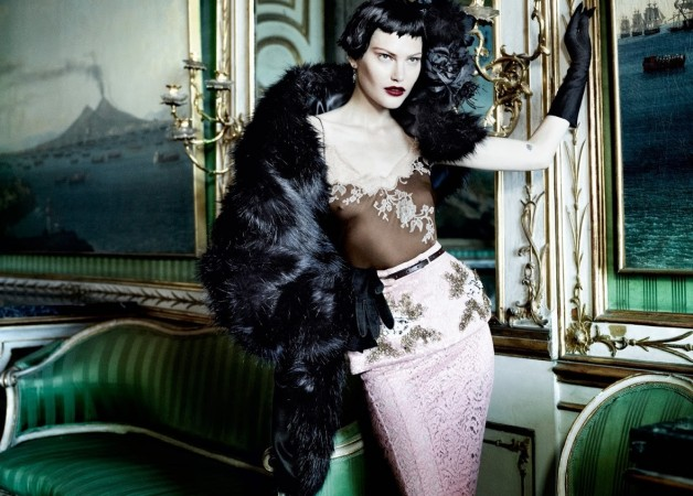 Catherine McNeil 'Prima Donna' by Mario Testino Vogue UK 5