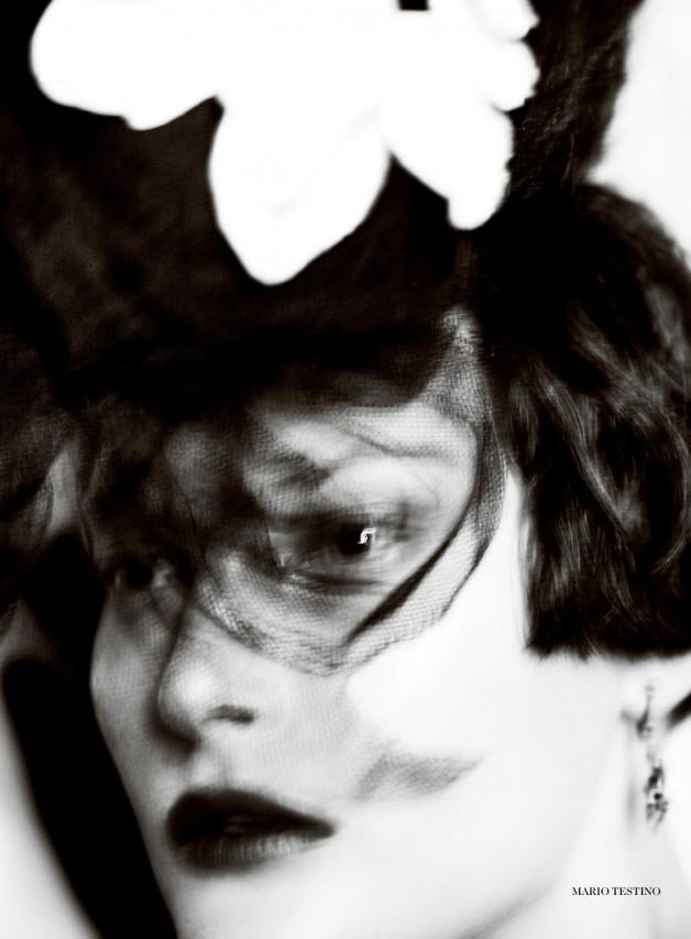 Catherine McNeil 'Prima Donna' by Mario Testino Vogue UK 8