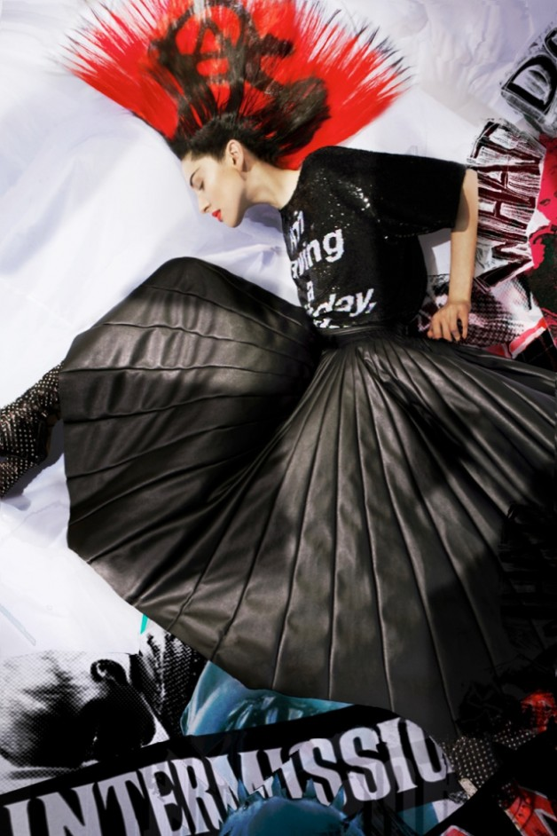 Linda Fox in Riot by Meinke Klein  4