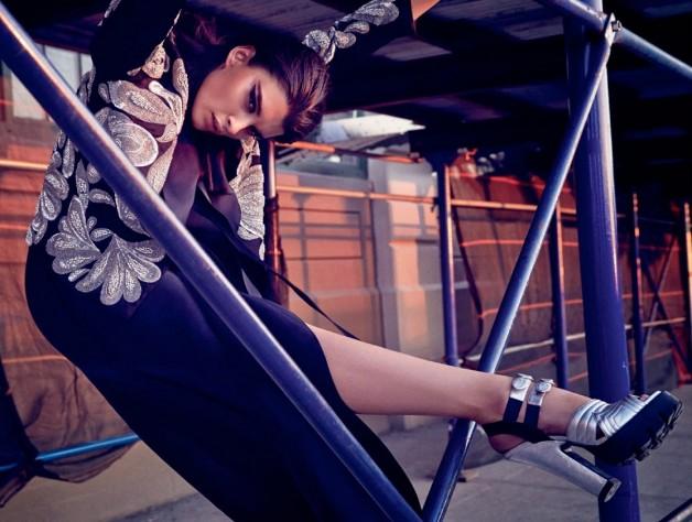 Crystal Renn By Dusan Reljin For Harper's Bazaar Brasil 4