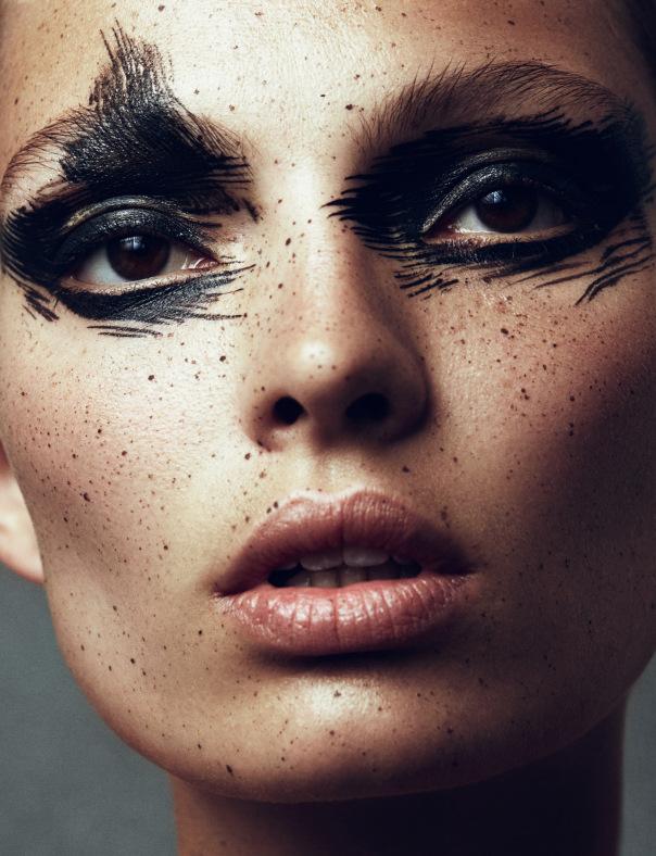 carola-remer-by-benjamin-vnuk-for-narcisse-magazine-1-fall-winter-2013-2014-4
