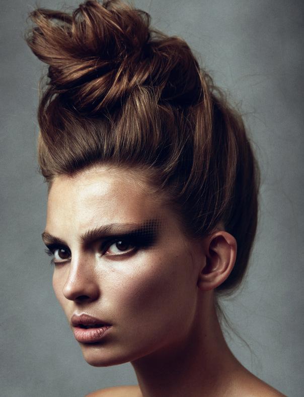 carola-remer-by-benjamin-vnuk-for-narcisse-magazine-1-fall-winter-2013-2014-7