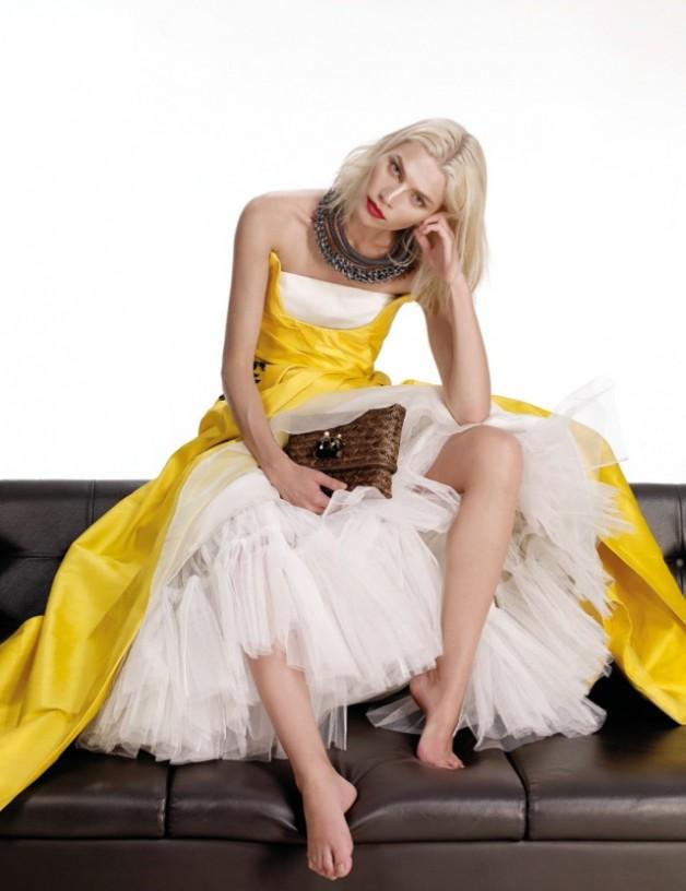 Aline-Weber-By-Nat-Prakobsantisuk-Vogue-Thailand-February-2014-17