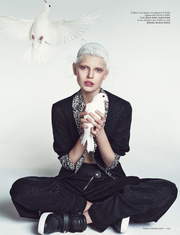 Ola Rudnicka for Vogue Netherlands 10