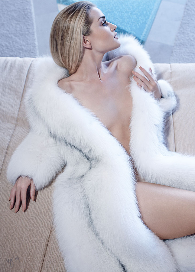 Rosie Huntington-Whiteley by Emma Summerton for Violet Grey Magazine 12