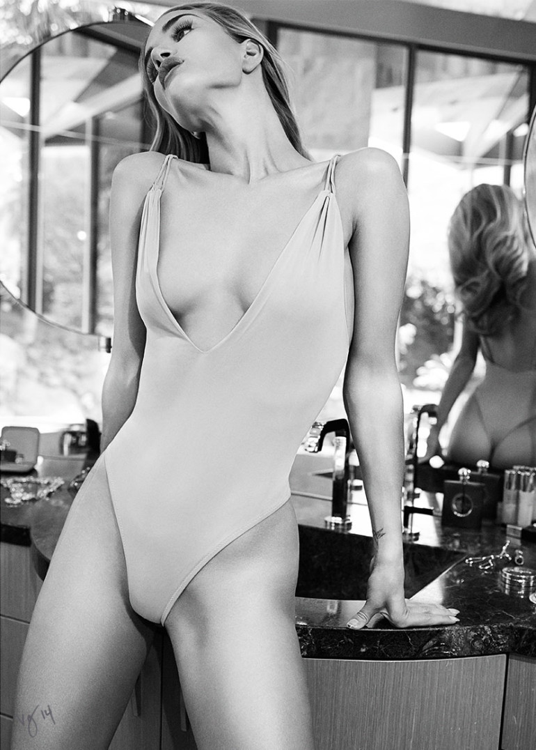 Rosie Huntington-Whiteley by Emma Summerton for Violet Grey Magazine 6