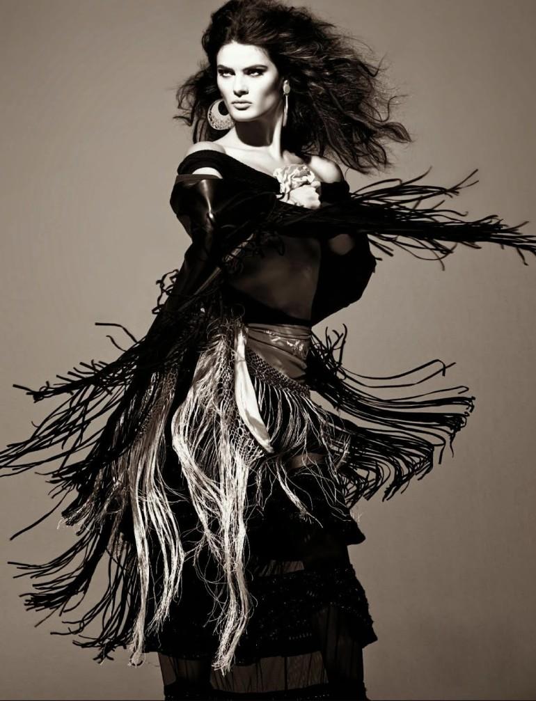 Isabeli Fontana 'Tentadora' By Steven Meisel For Vogue Italia 13