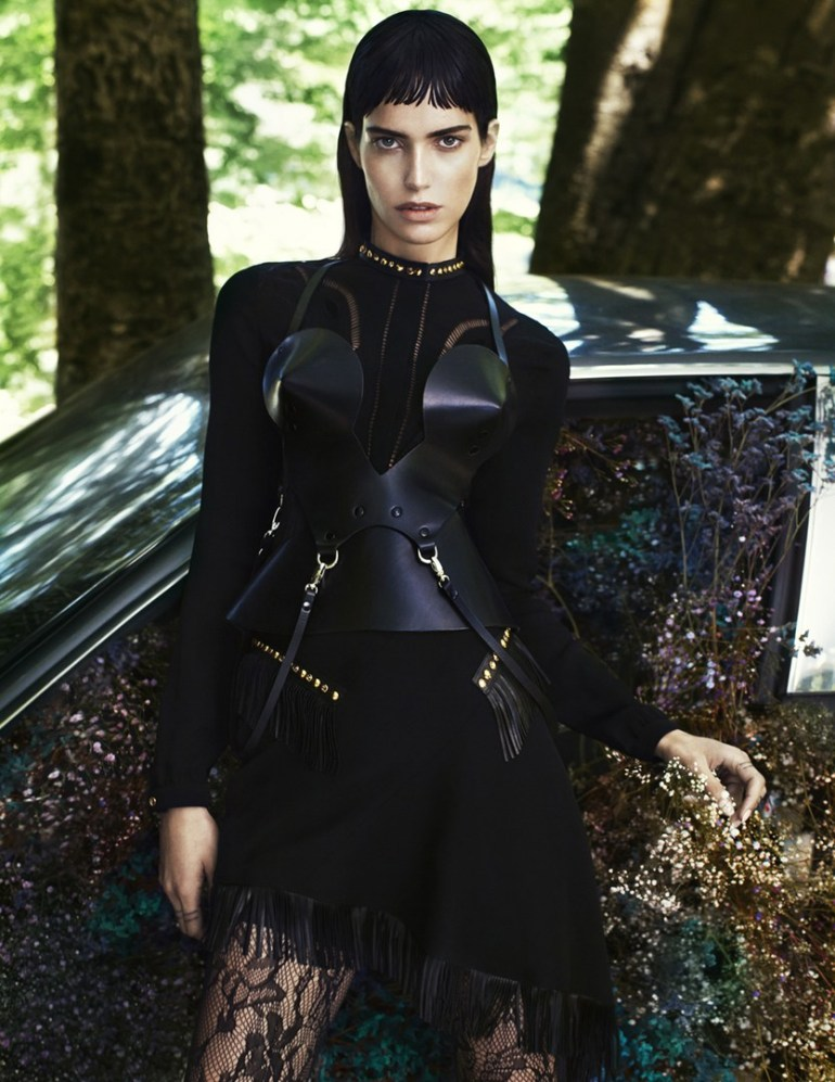 Amanda Wellsh By Txema Yeste For Numéro #177 5