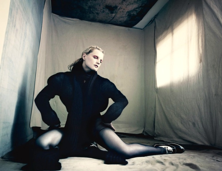 Guinevere Van Seenus in 'Pins & Needles' by Paolo Roversi for Dazed & Confused 09