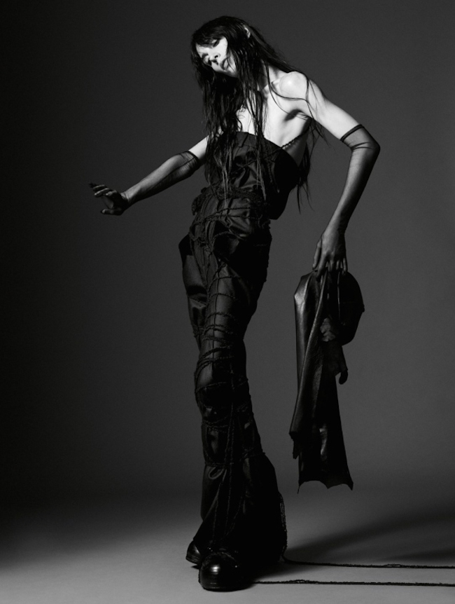 JAMIE BOCHERT IN 'PARALLAX' BY WILLY VANDERPERRE FOR GARAGE MAGAZINE 1