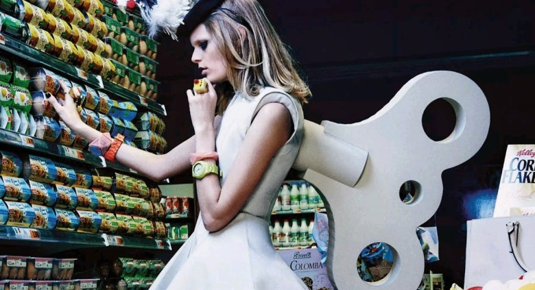 Lindsey Wixson & Hanne Gaby Odiele 'My Market Day' By Giampaolo Sgura For Vogue Japan 11