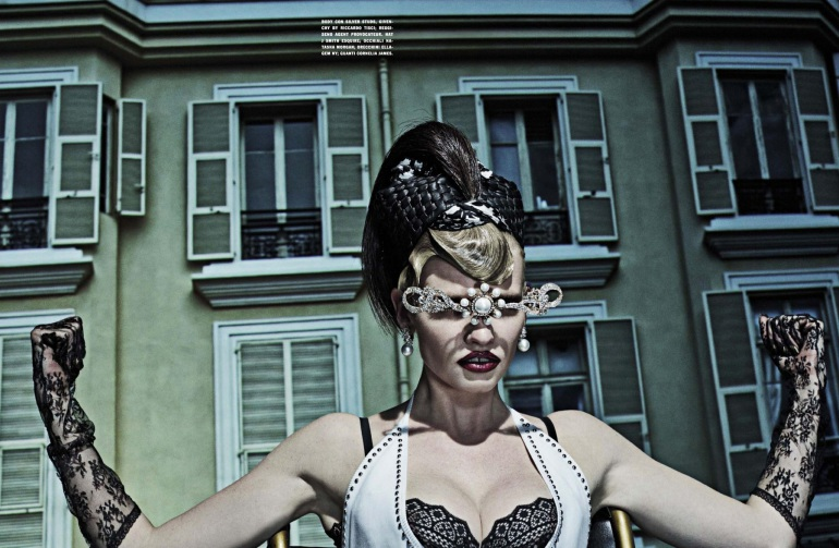 lara-stone-molly-blair-steven-klein-vogue-italia-jan-15-15