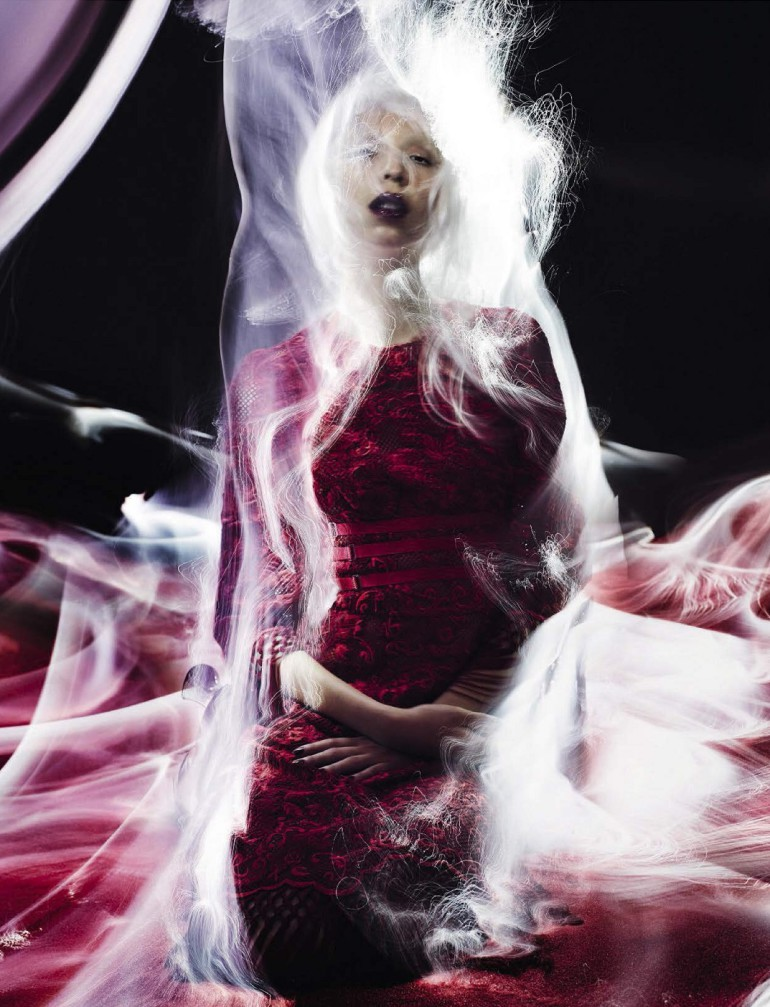 Issa Lish 'In The Dreamy Red Mood' Sølve Sundsbø Vogue Italia 002