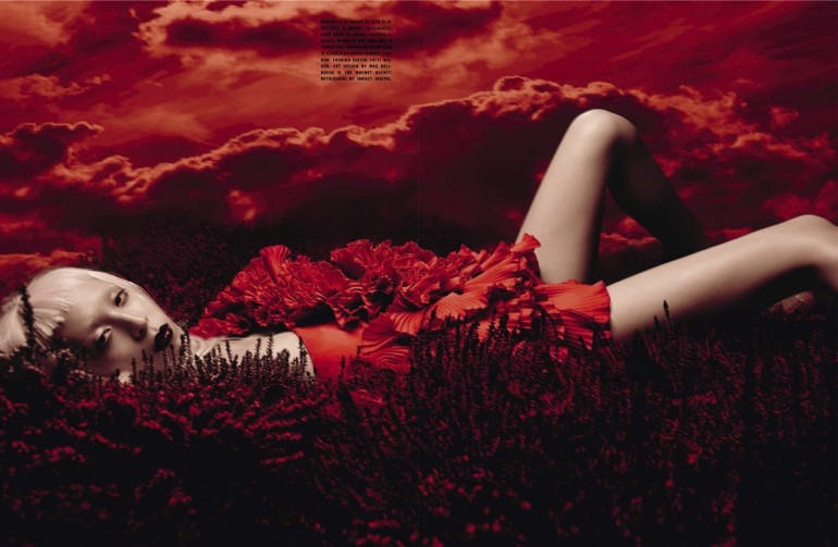 Issa Lish 'In The Dreamy Red Mood' Sølve Sundsbø for Vogue Italia 5