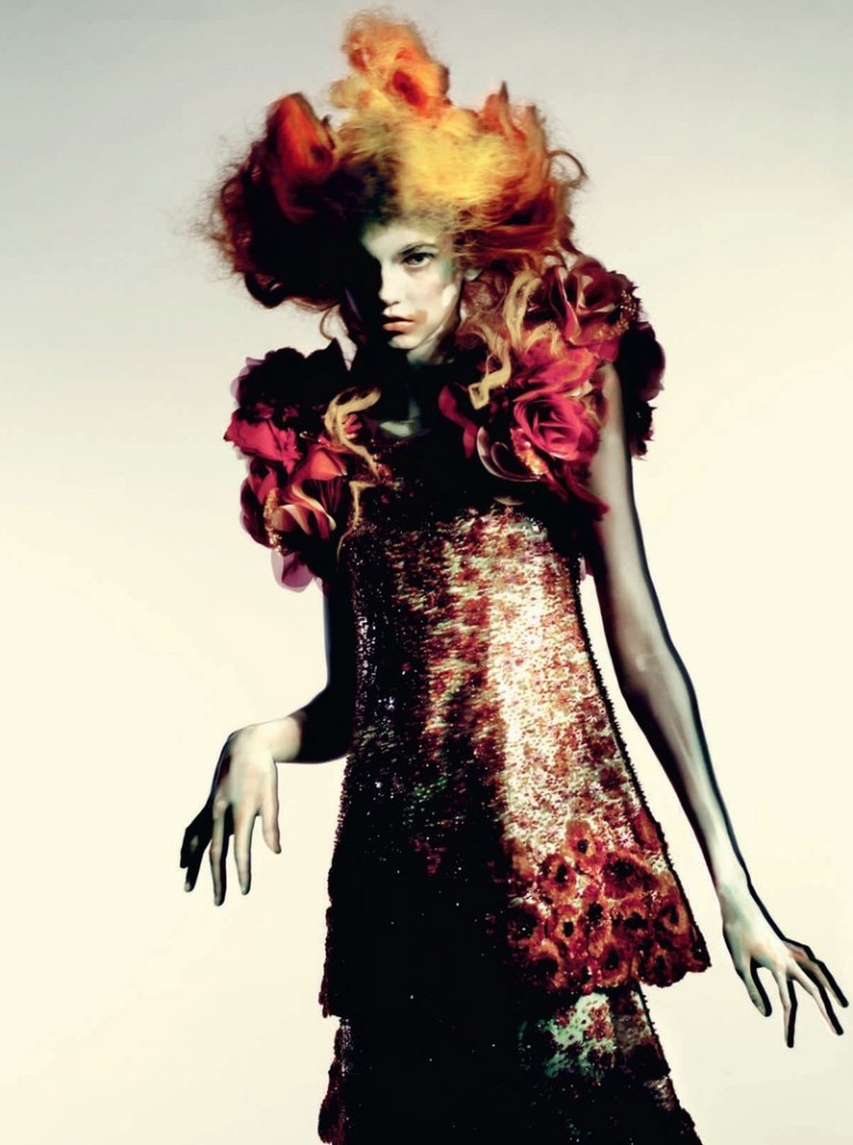Molly Blair 'Full Bloom' Paolo Roversi for Vogue Italia 8
