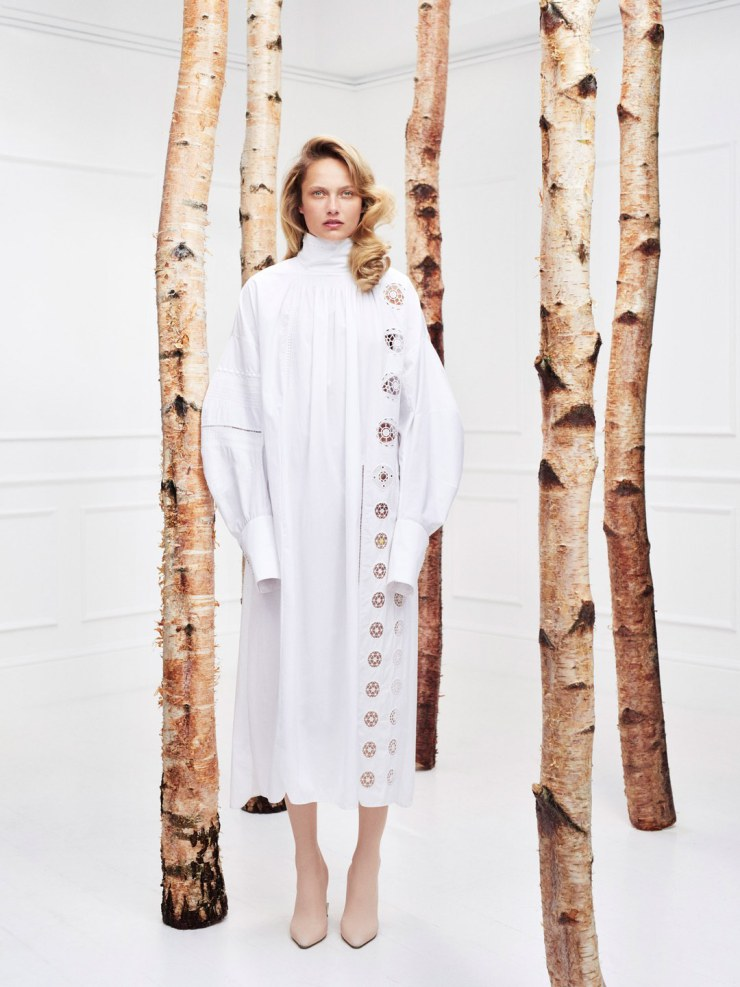 karmen-pedaru-by-horst-diekgerdes-for-muse-magazine-spring-summer-2015-2