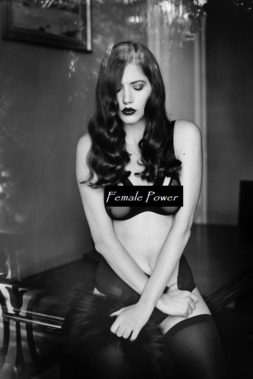 Hea Deville Nude Photos 44