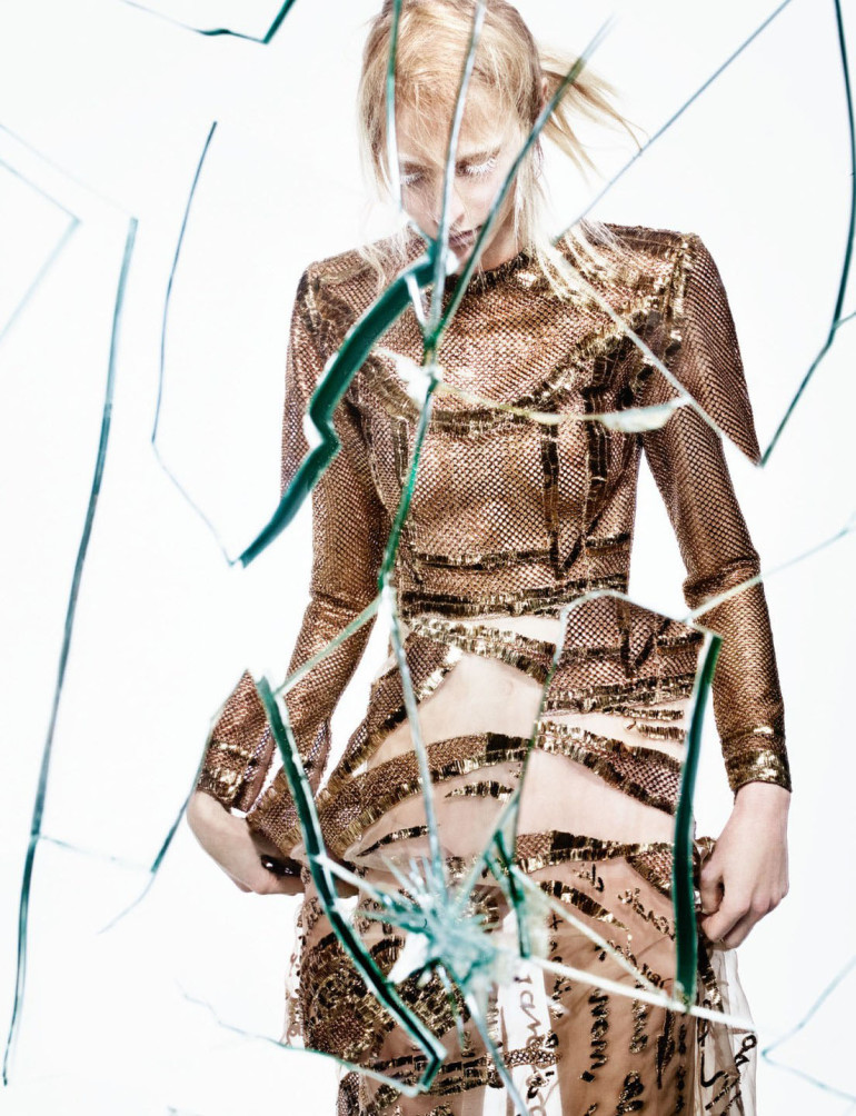 julia-nobis-by-craig-mcdean-for-interview-magazine-april-2015