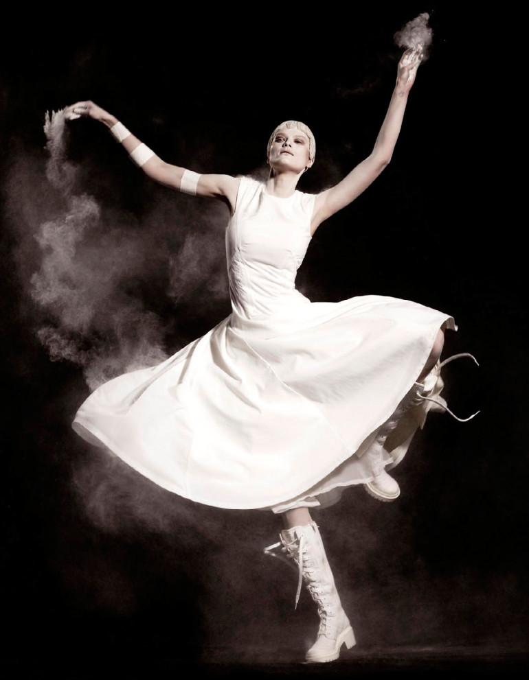Elena Melnik By Ishi For Vogue Netherlands May 2015 9