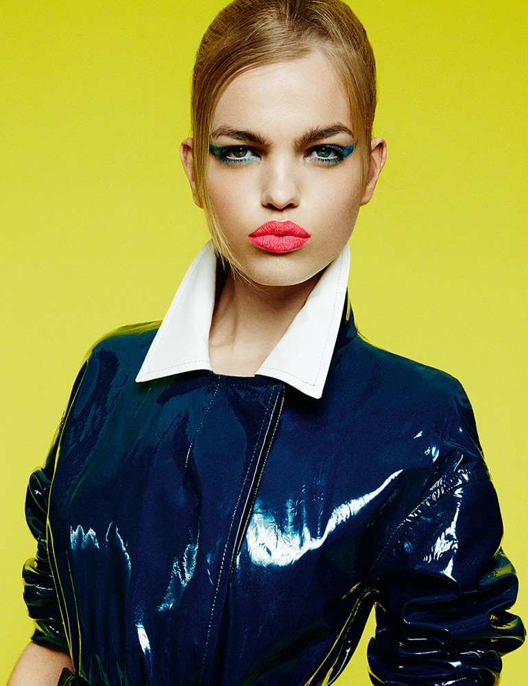 daphne-groeneveld-by-greg-kadel-for-numc3a9ro-164-junejuly-2015-8