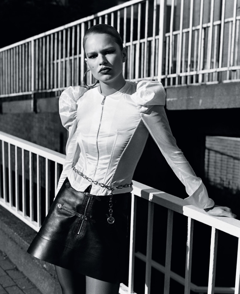 anna-ewers-by-alasdair-mclellan-for-vogue-uk-september-2015-5
