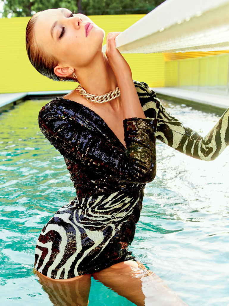karlie-kloss-by-tom-munro-for-glamour-us-september-2015-6