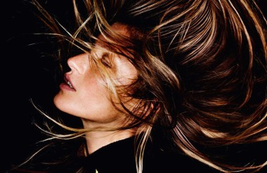 gisele-bc3bcndchen-by-mario-testino-for-vogue-paris-october-2015-11