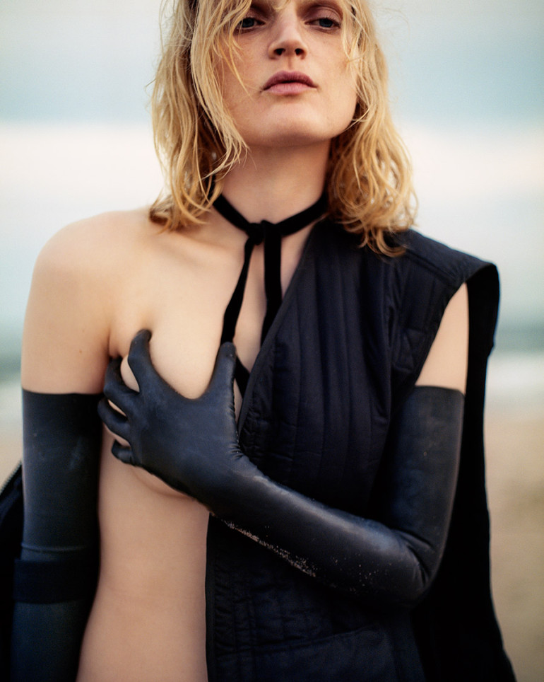 guinevere-van-seenus-by-theo-wenner-for-purple-fashion-magazine-fall-winter-2015-10