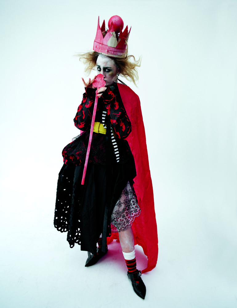 Saoirse Ronan 'Queen of Hearts' Tim Walker for W Magazine 8