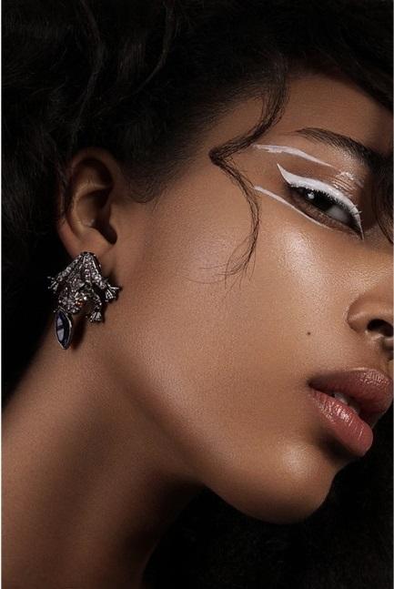 Schon_Magazine_maquillage-1000x647