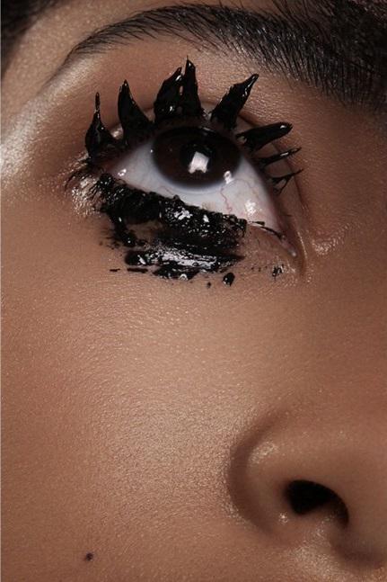 Schon_Magazine_maquillage3-1000x647 (1)
