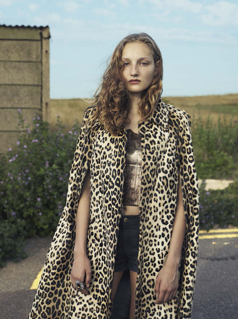 youth-mert-alas-marcus-piggott-for-vogue-italia-october-2015-58
