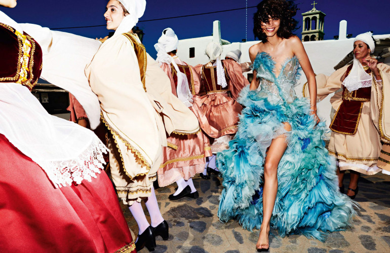 Mario Testino 'Mykonos' for Vogue Paris 44
