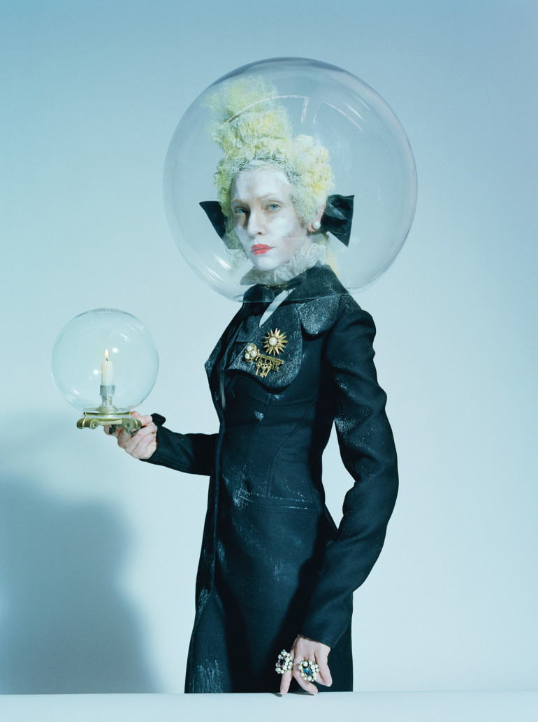 cate-blanchett-by-tim-walker-foe-w-magazine-december-2015-4 (1)