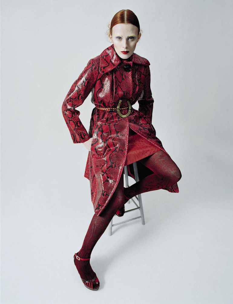 karen-elson-by-tim-walker-for-vogue-italia-december-2015-41