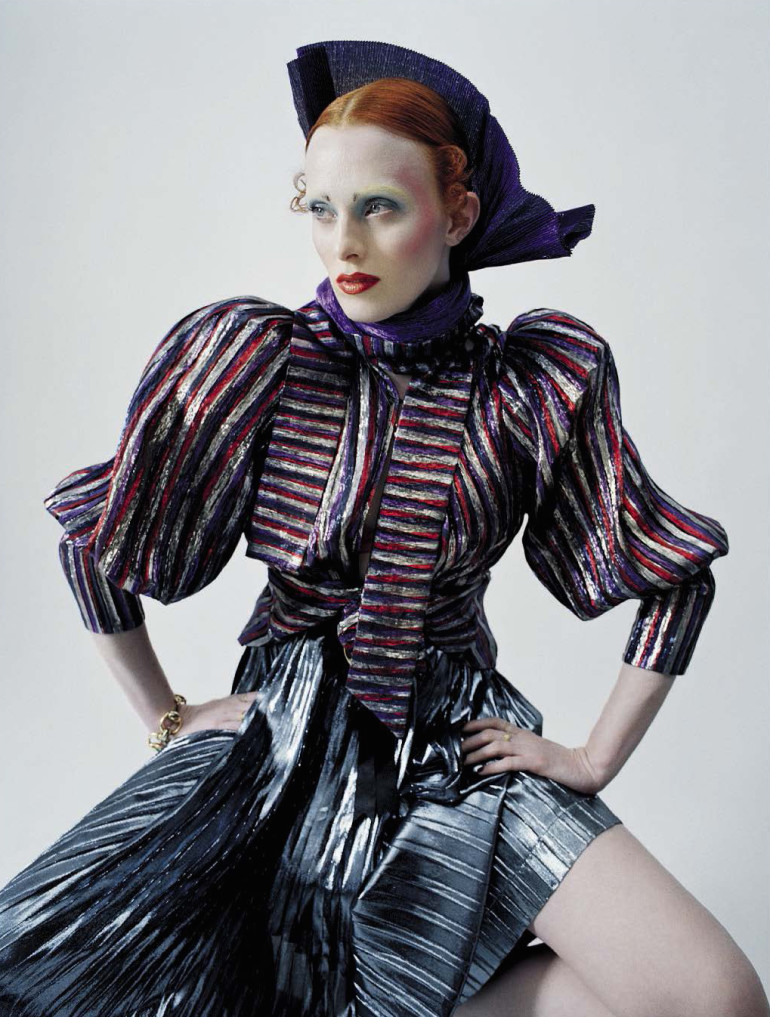 karen-elson-by-tim-walker-for-vogue-italia-december-20151