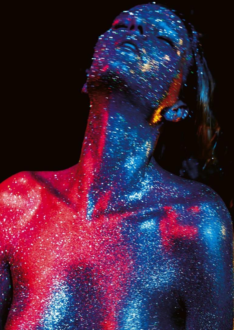 marique-schimmel-by-jonas-bresnan-for-stylist-magazine-france-december-2015-1