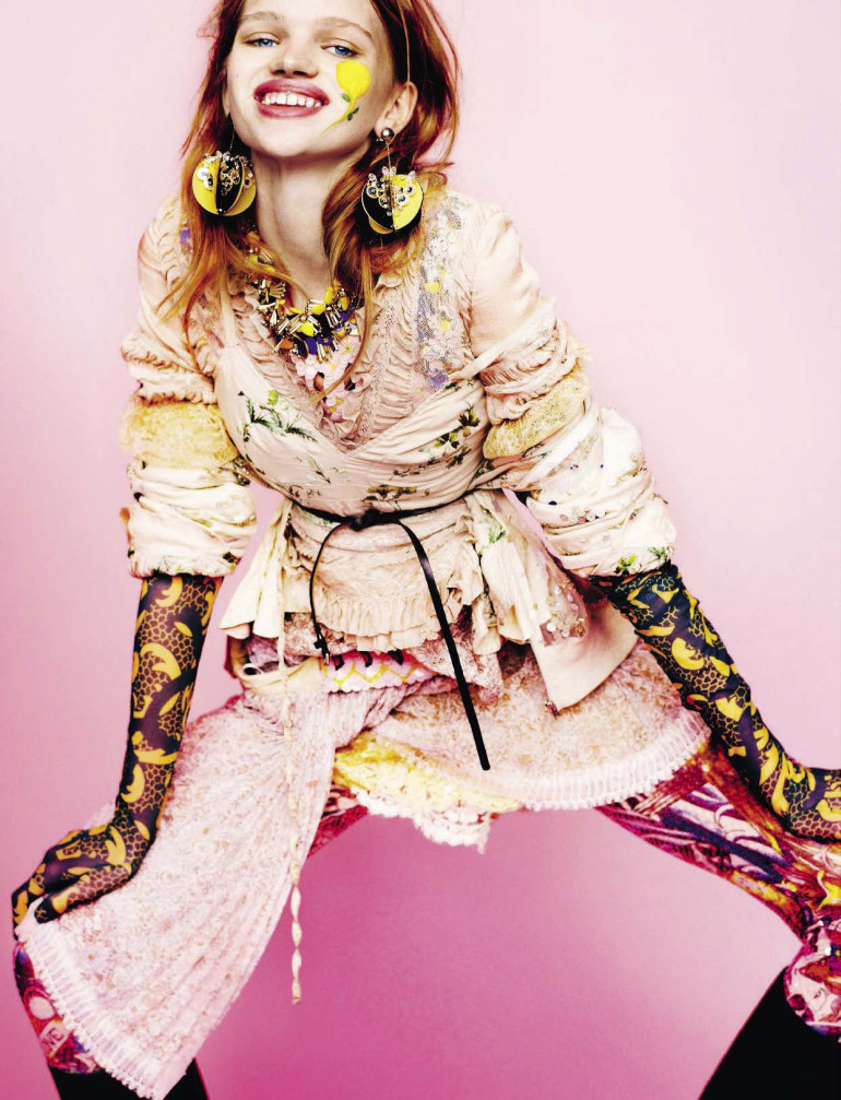 stella-lucia-by-mario-testino-for-vogue-italia-february-2016-6