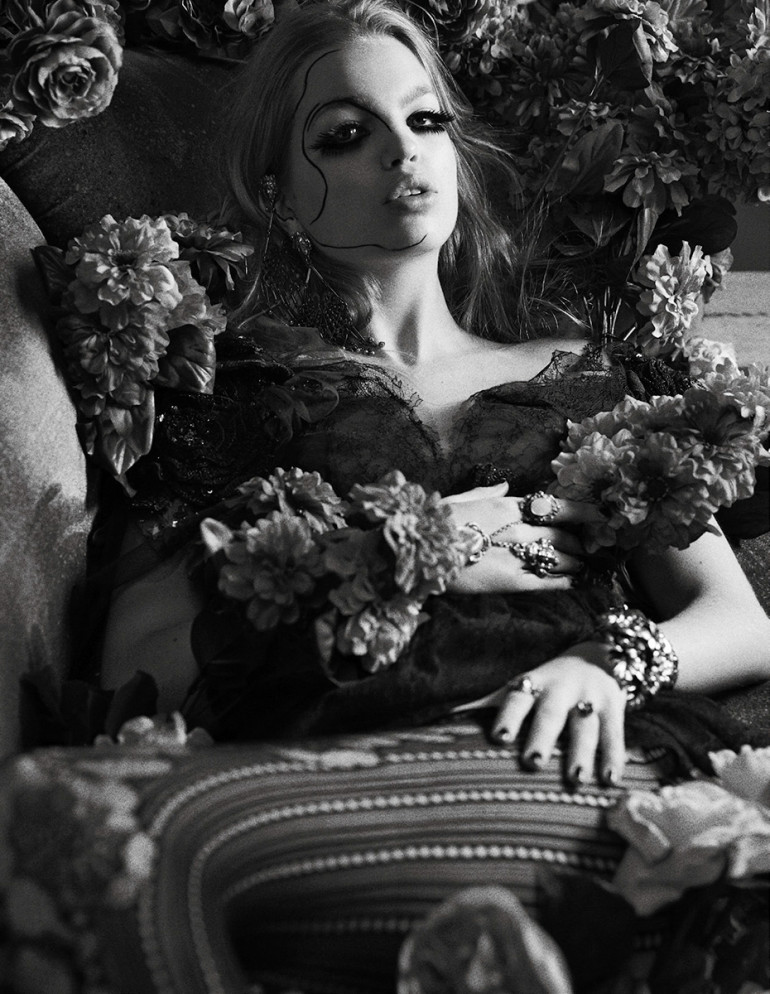 daphne-groeneveld-by-david-roemer-for-zoo-magazine-spring-summer-2016-17