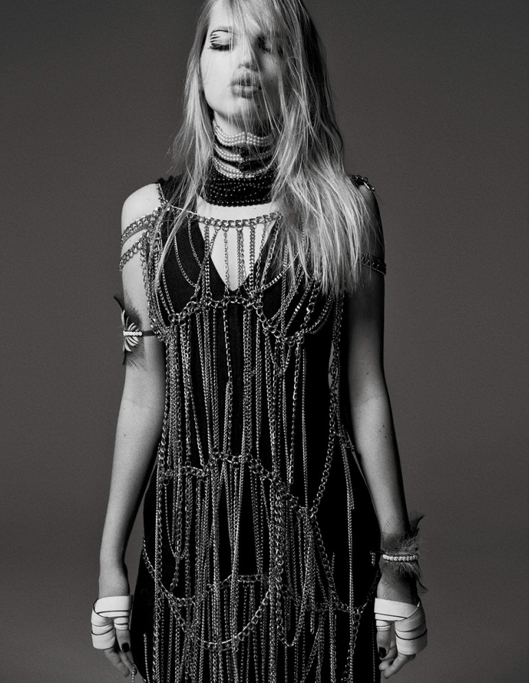 daphne-groeneveld-by-david-roemer-for-zoo-magazine-spring-summer-2016