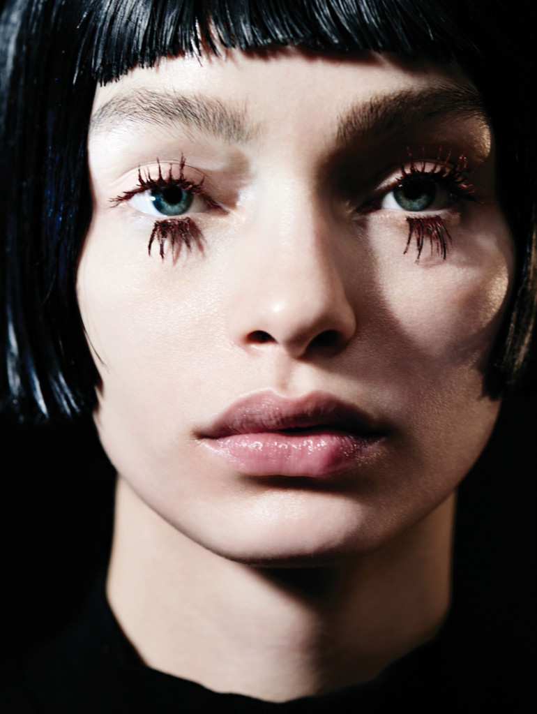 Vogue_China-May_2016-Luma_Grothe-by-Liz_Collins-03 (1)