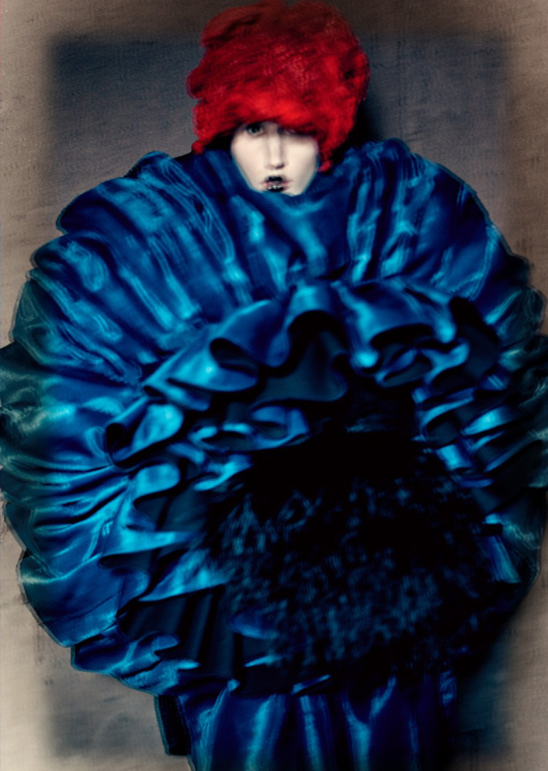 blue-witches-anna-cleveland-by-paolo-roversi-for-luncheon-magazine-spring-summer-2016-3