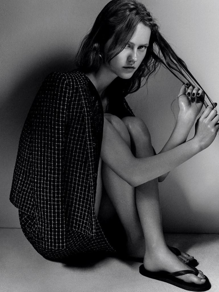 Julia Wachtel by Victor Demarchelier for Numero 15